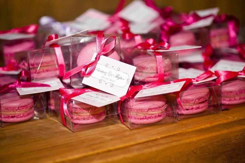 Дарить или не дарить подарки гостям на свадьбе?